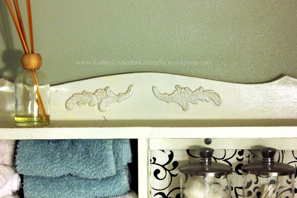 Bath shelf applique